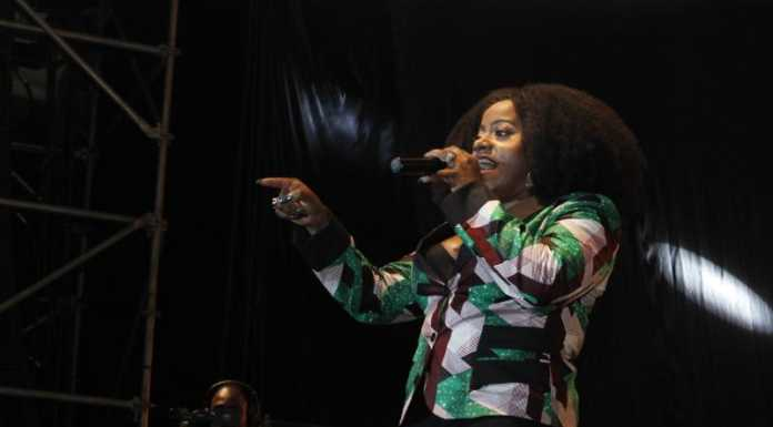 MG 4180 696x385 - Exclusive Photos: How it went down at Etana's concert