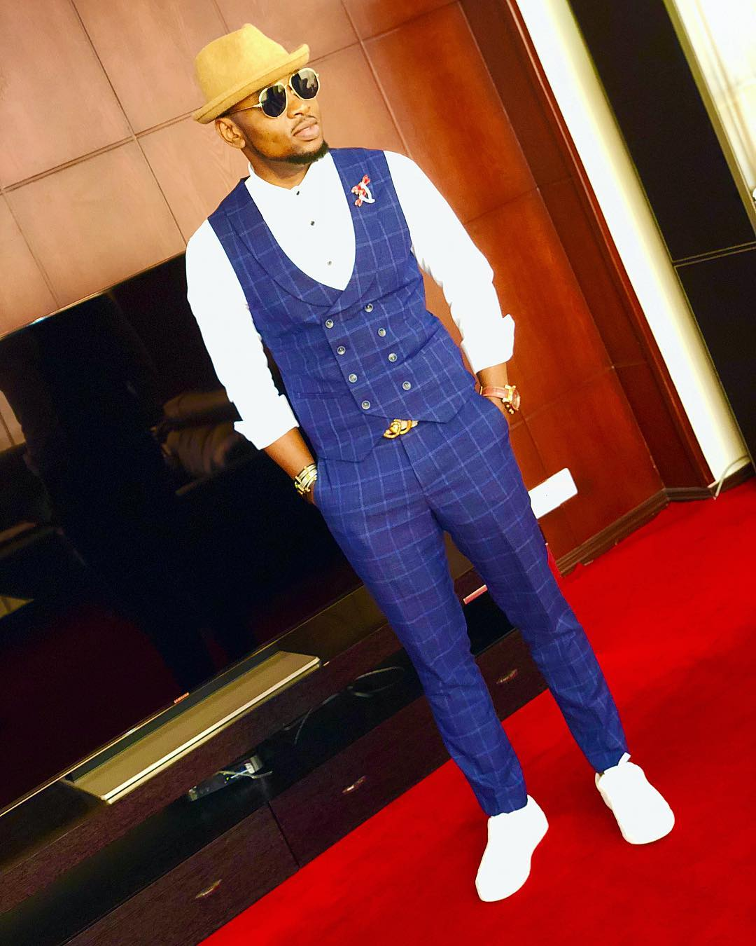 Ommy Dimpoz - Suited Up! Celebrities whose swanky and classy look can steal your woman