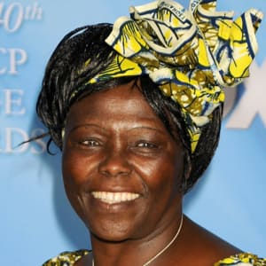 wangari maathai 13704918 1 402 - Prominent Kenyans who have been cremated after their death