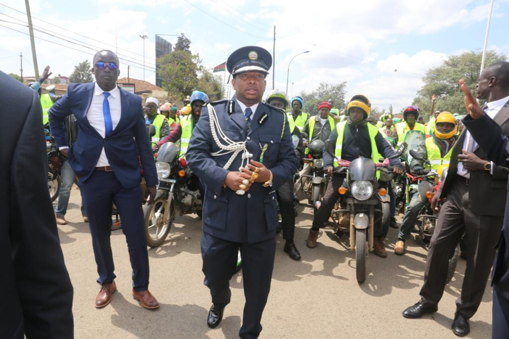 WhatsApp Image 2019 06 01 at 2.02.46 PM - Sonko dresses like the commander in chief of city council askaris (Photos)