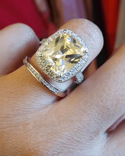 Zari engagement ring - Zari shows off her Ksh 1.4 engagement ring from King Bae