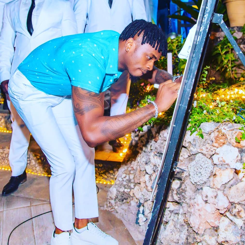 69150379 2213531002106727 131614895325084513 n - Alirogwa? Diamond Platnumz does same thing he did to Zari to Tanasha on her special day
