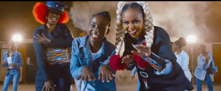 Screenshot from 2019 08 14 13 13 17 - Size 8 and Wahu hairstyles outshine their music video, Kenyans react