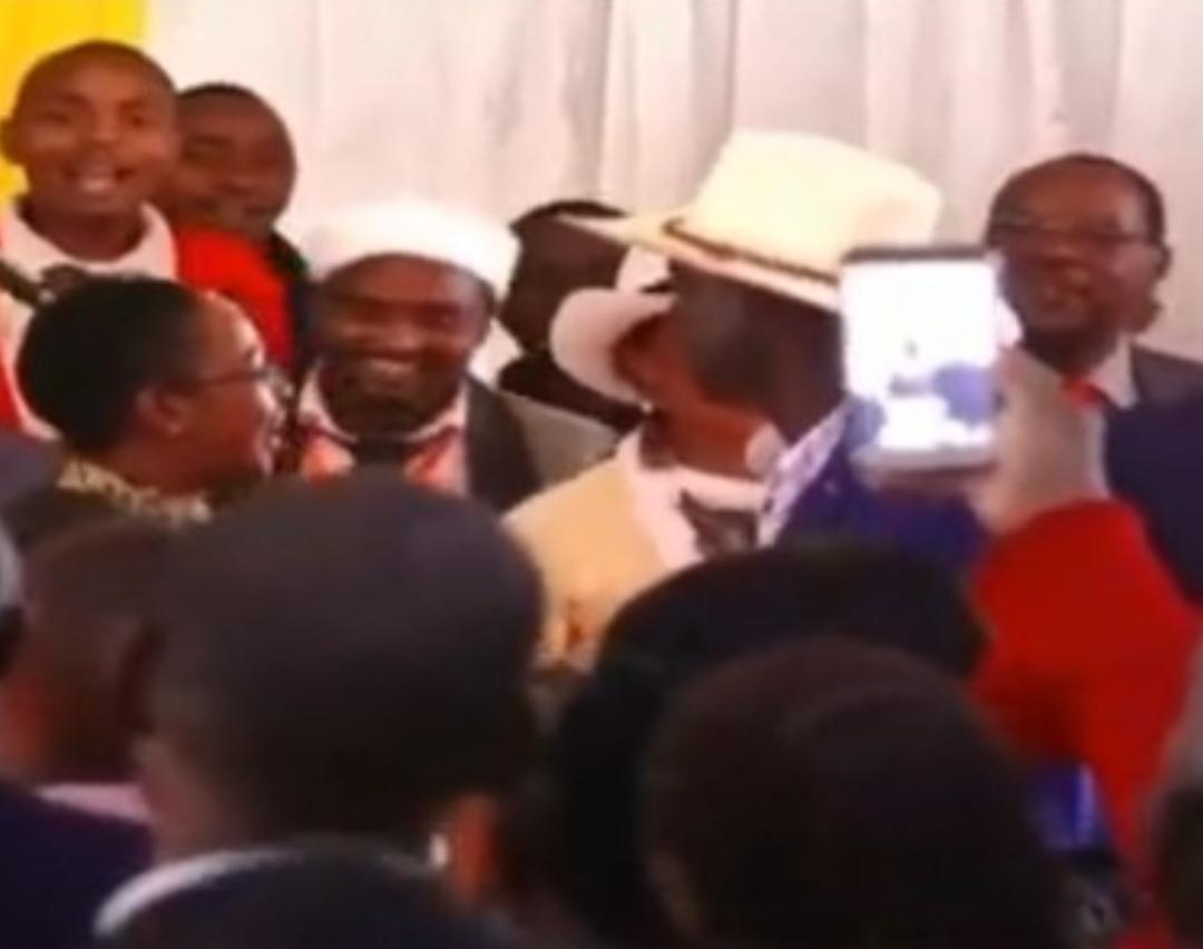 WhatsApp Image 2019 08 24 at 15.29.59 2 - President Uhuru and Sabina Chege excite mourners by dancing to John DeMathew's hits
