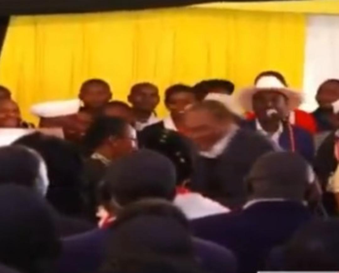 WhatsApp Image 2019 08 24 at 15.29.59 7 - President Uhuru and Sabina Chege excite mourners by dancing to John DeMathew's hits