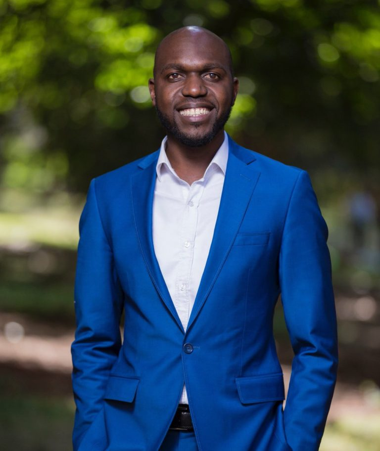 larry madowo suit 1 768x912 - Ladies mumeona hii? Most eligible celebrity bachelors in 2019 (Photos)