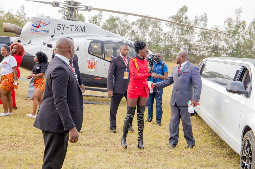 06d6f4c7 77c8 4241 ab3d f2dbccf5a032 - Rais Akothee! Singer flies 3 minutes from Wilson to Carnivore (Photos)