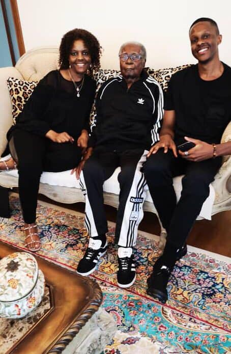 61747809 2307912966087994 4130818185727311872 n - What a man! Robert Mugabe last happy moments with the family