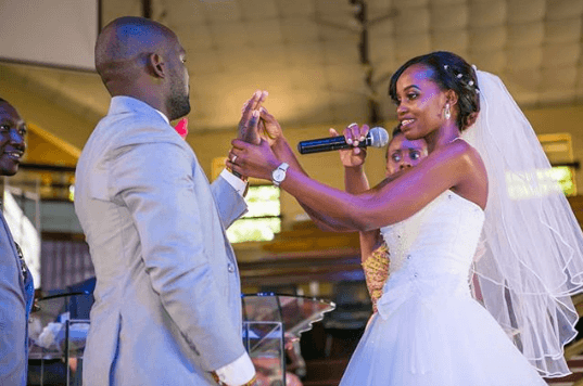 Nyanaro wife - 'I can't send beautiful roses,' message to wife by poet in Nakuru accident