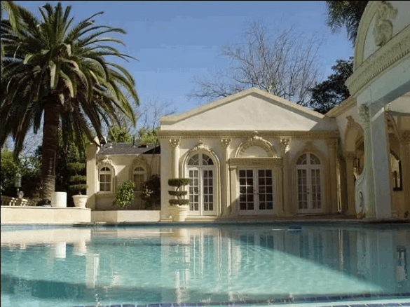 Screenshot from 2019 09 12 17 36 30 - Mind blowing photos of Robert Mugabe's 25-bedroom million dollar house