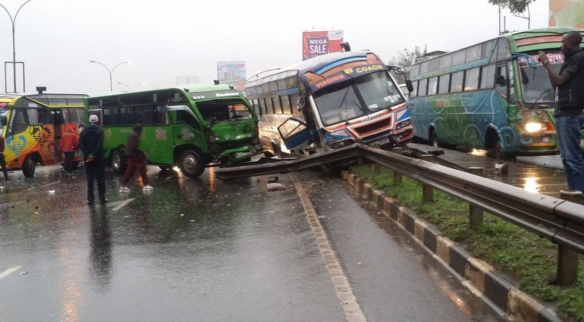 6 vehicles involved in an accident along Thika Road (Photos)