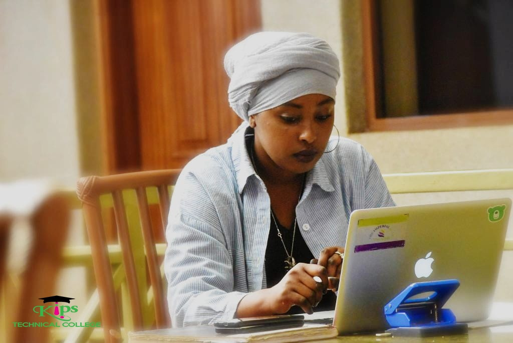 Mariam Ali (@Tiyyah Ali), student pursuing Procurement & Supply Chain Management. Back home in Marsabit, she has been going on with her studies remotely via the robust #eLearning platform on KIPS